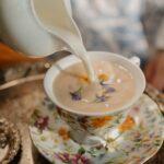 Te con leche: ¿es malo mezclar el te con leche?