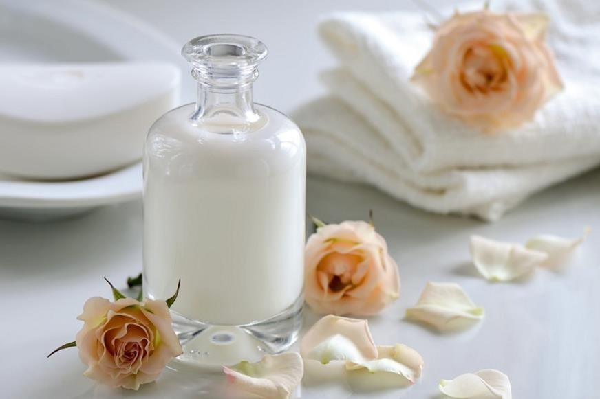Consejos naturales para una piel suave con leche