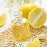 Tónico refrescante de limón y hamamelis para la piel