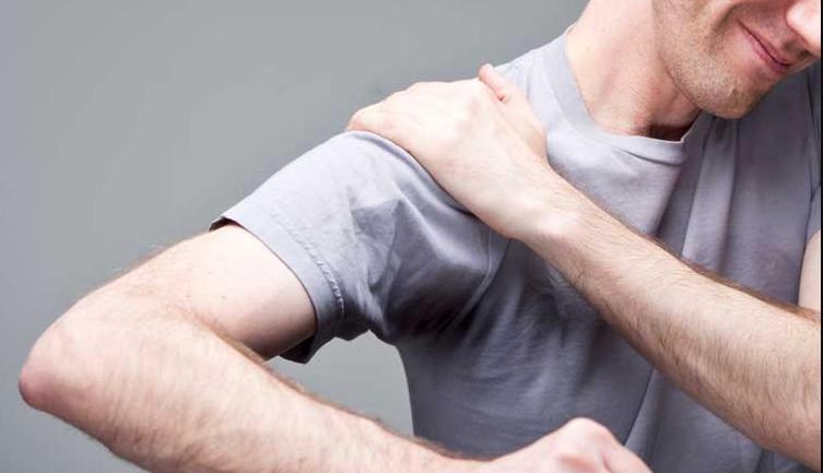 Zonas a masajear para disminuir el dolor de hombro debido a la tensión